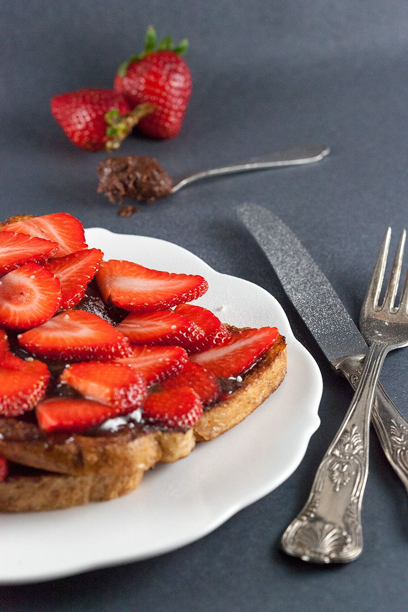 French toast with homemade nutella and strawberries