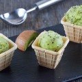 Mini kiwi sorbet 120x120 - Sweet and sour warm grapes with mini meringues