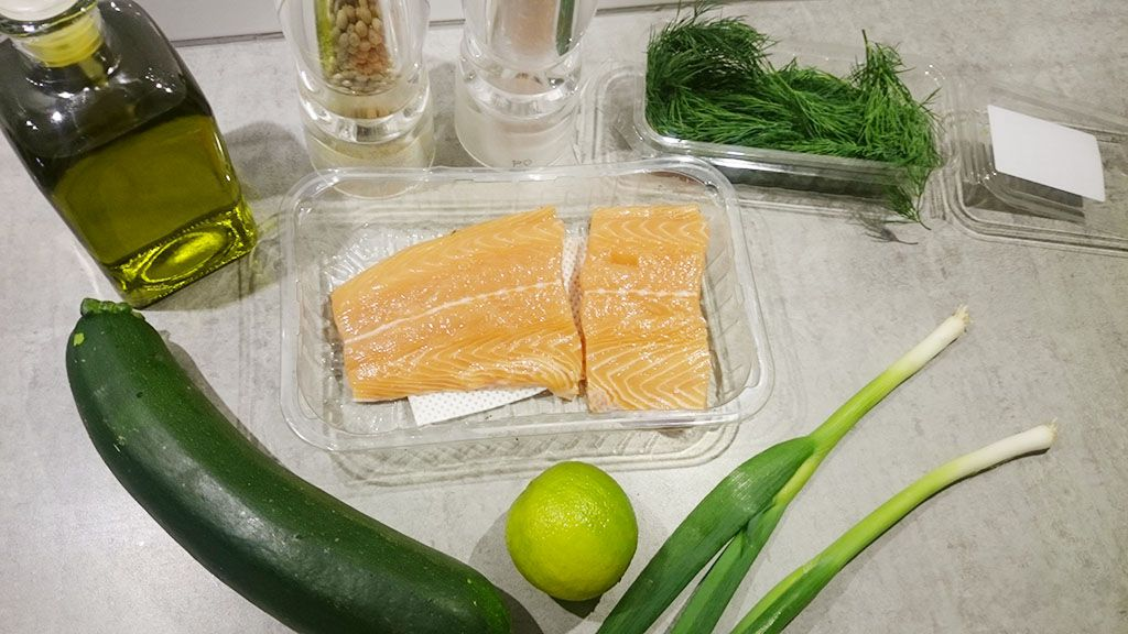 Skin baked salmon with scallions and lime ingredients