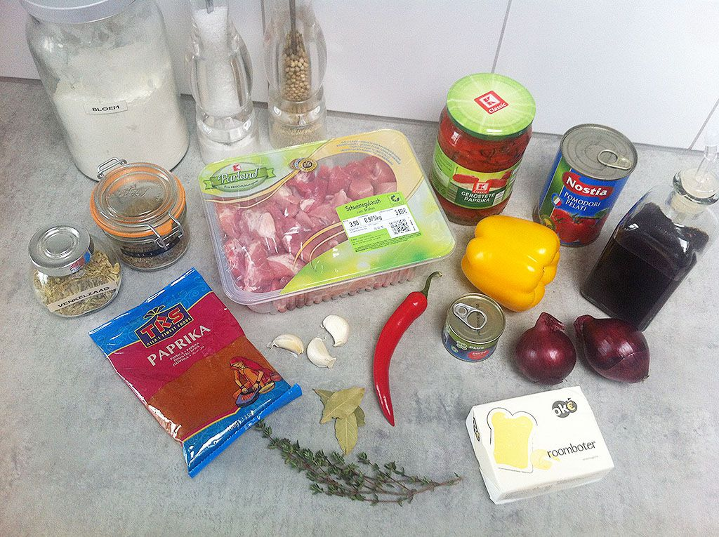 Slow cooker pork goulash ingredients - Slow cooker pork goulash