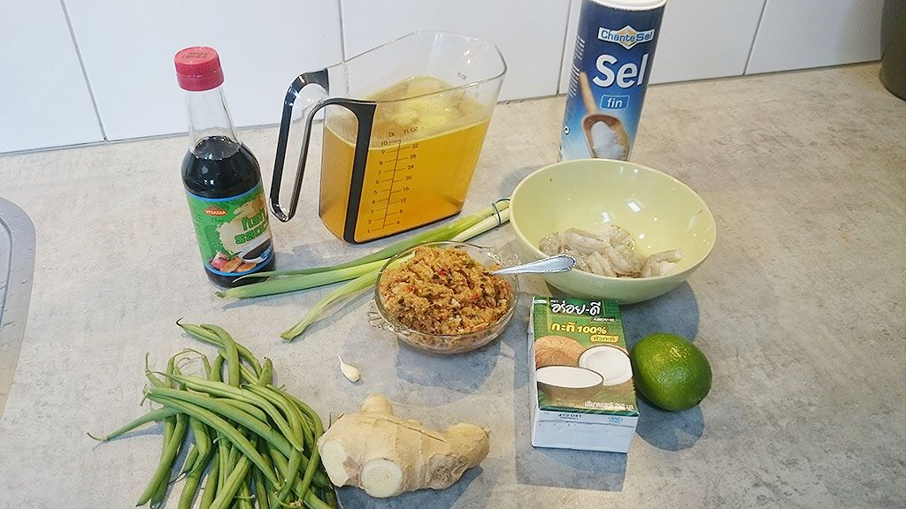 Thai coconut shrimp soup ingredients