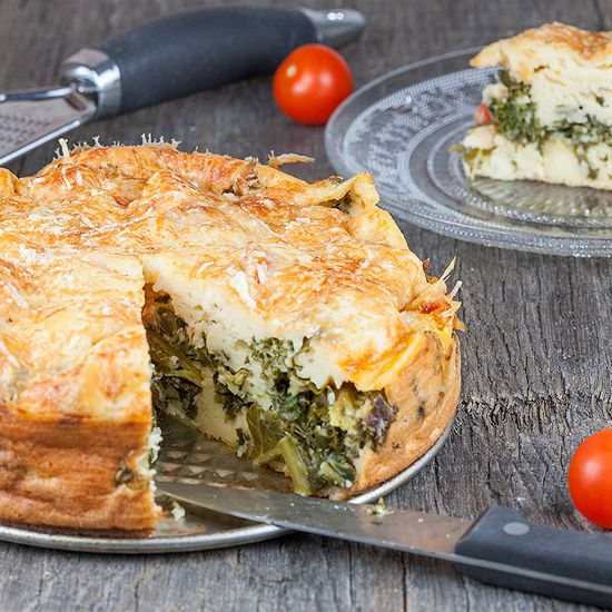 Vegetarian kale and cherry tomato pie