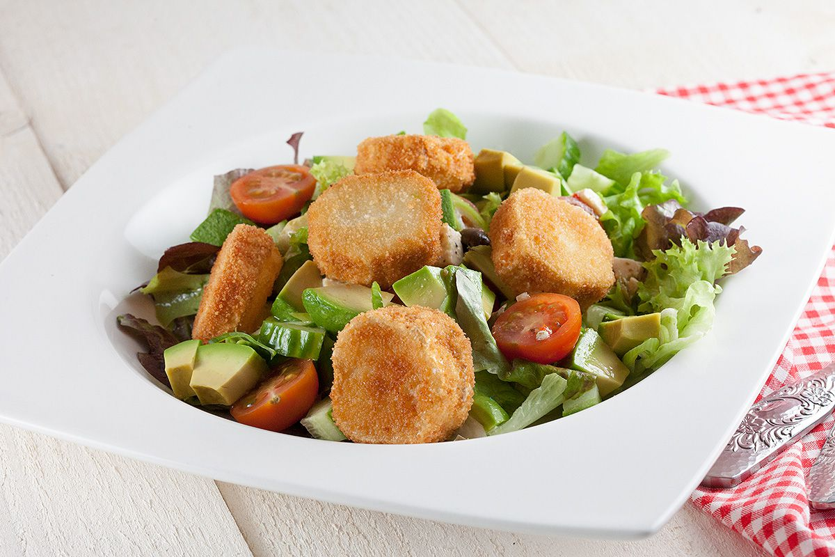Fried goat cheese salad - ohmydish.com