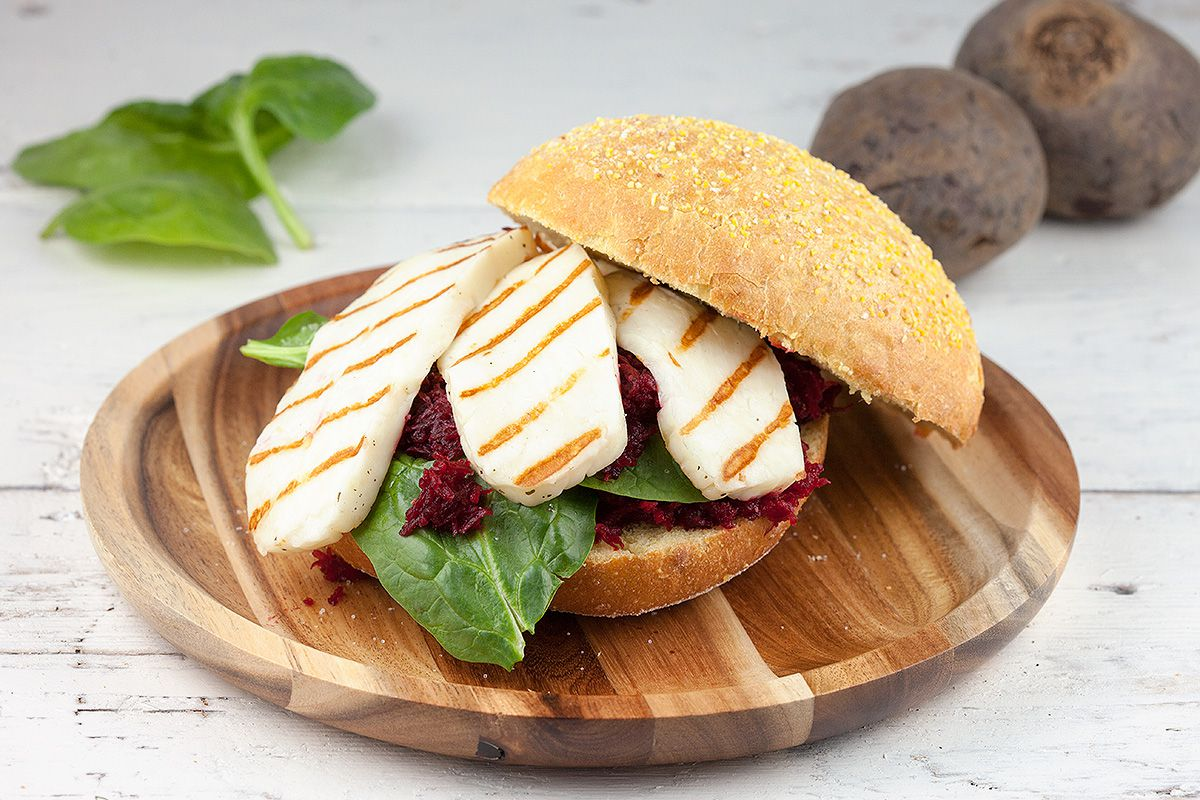 Grilled halloumi and red beets sandwich