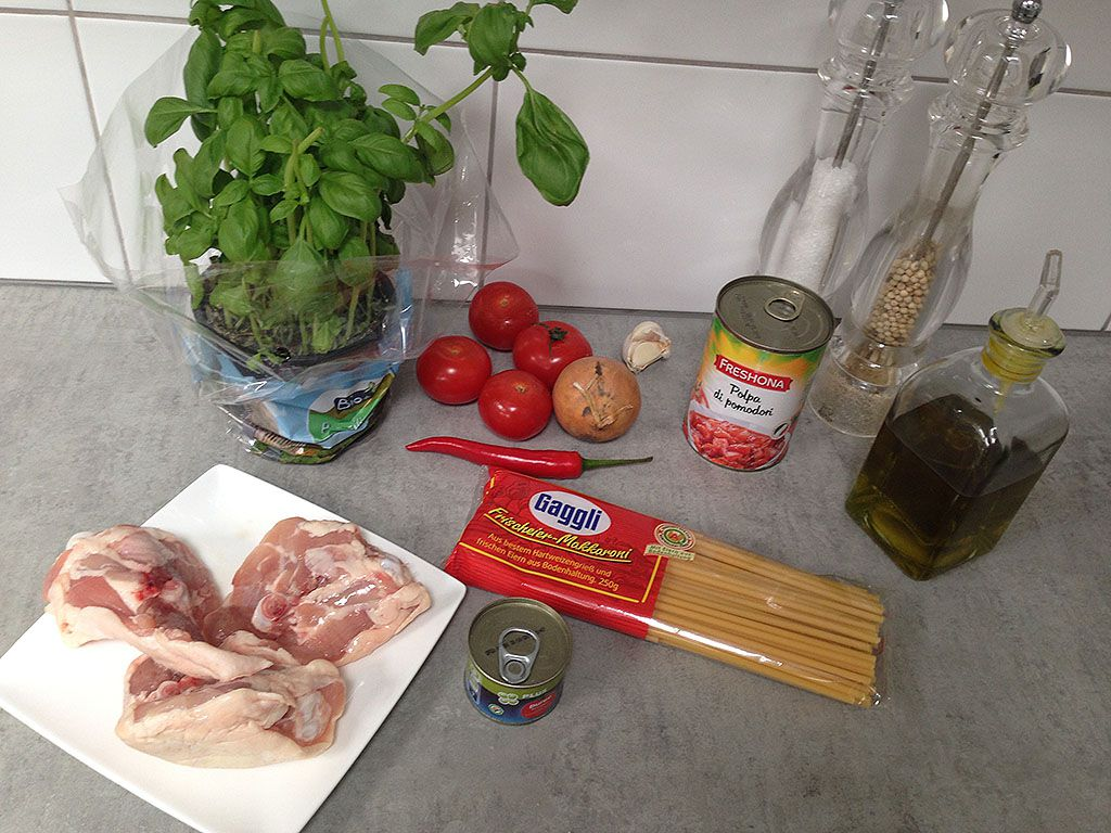 Spicy tomato and chicken thighs pasta ingredients - Spicy tomato and chicken thighs pasta
