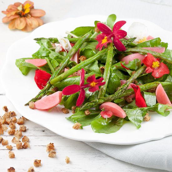 Green asparagus salad with edible flowers square - Green asparagus salad with edible flowers