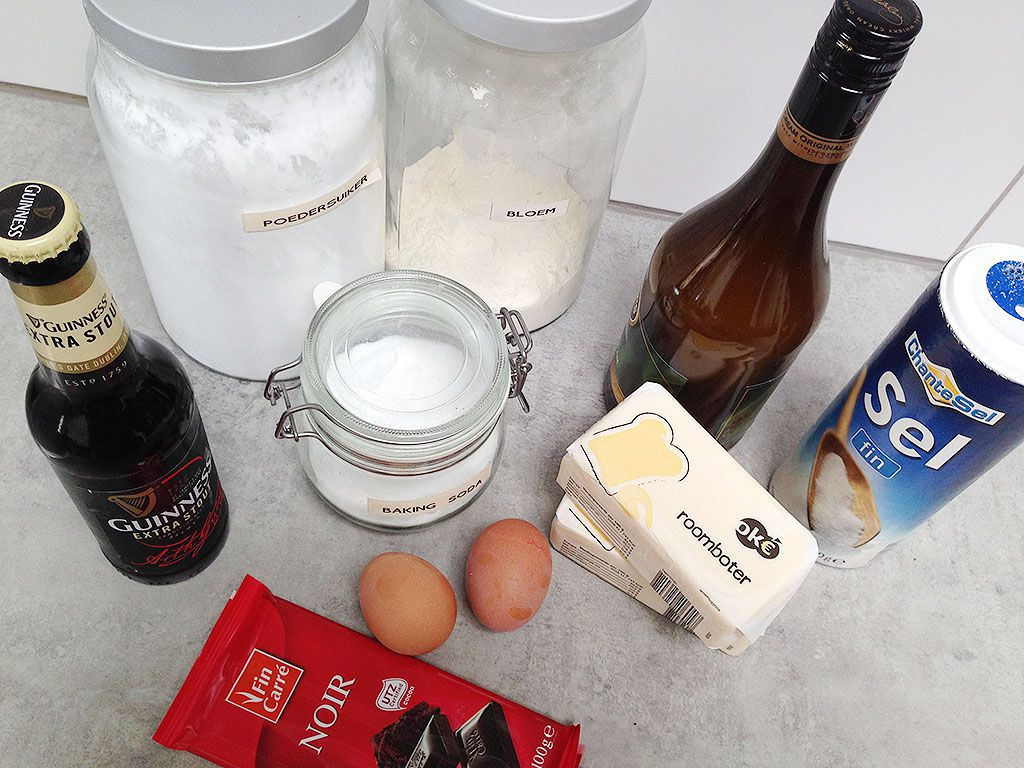 Guinness and chocolate pie ingredients - Guinness and chocolate pie