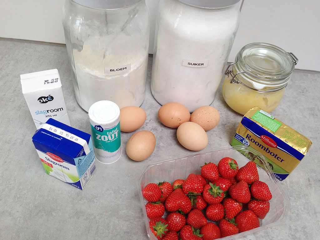 Lemon curd strawberry cake ingredients