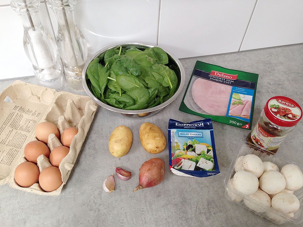 Spinach and ham frittata ingredients