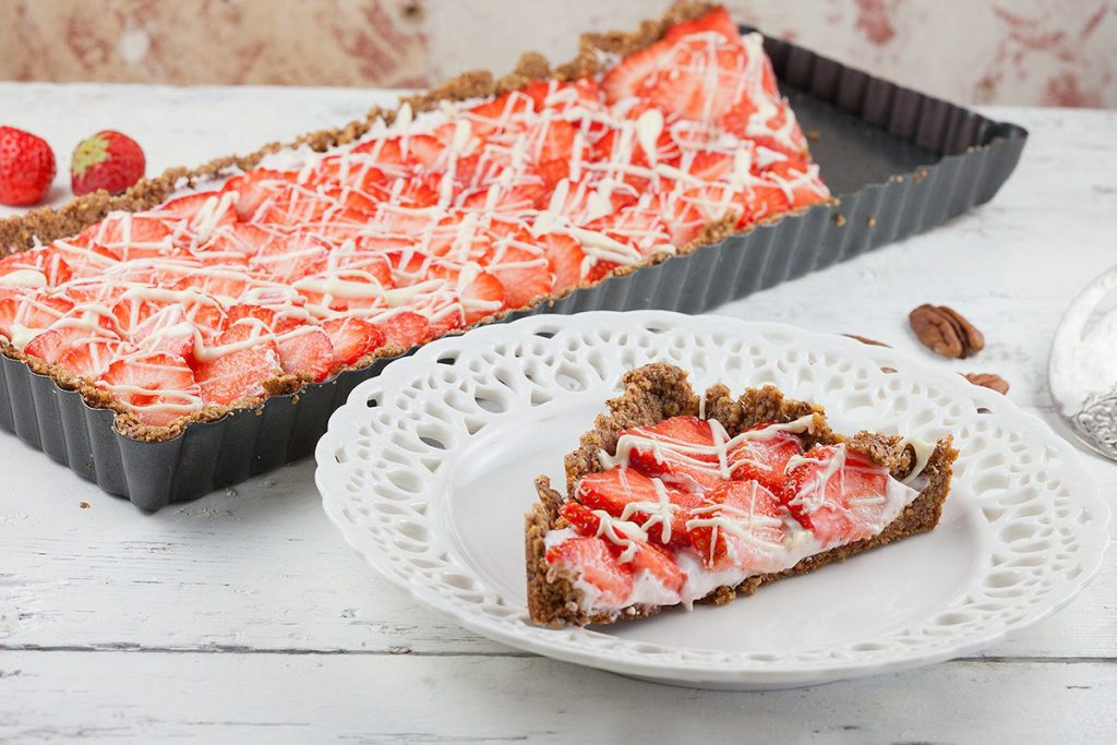 Strawberry-pecan pie