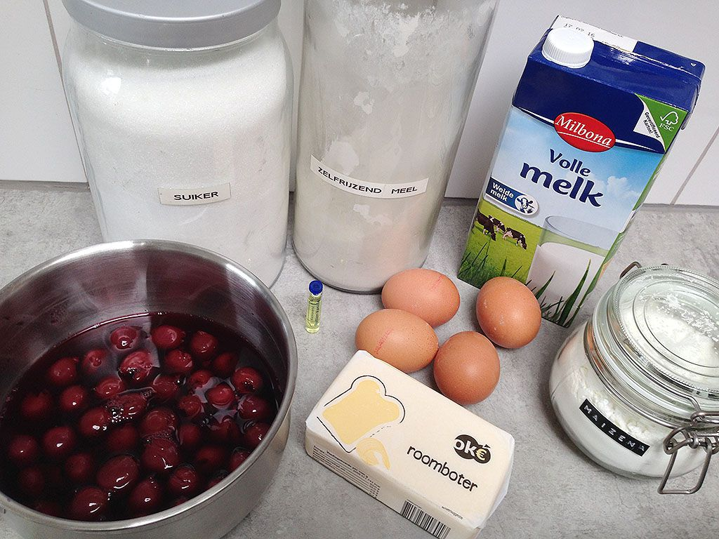 Waffles and warm cherries ingredients