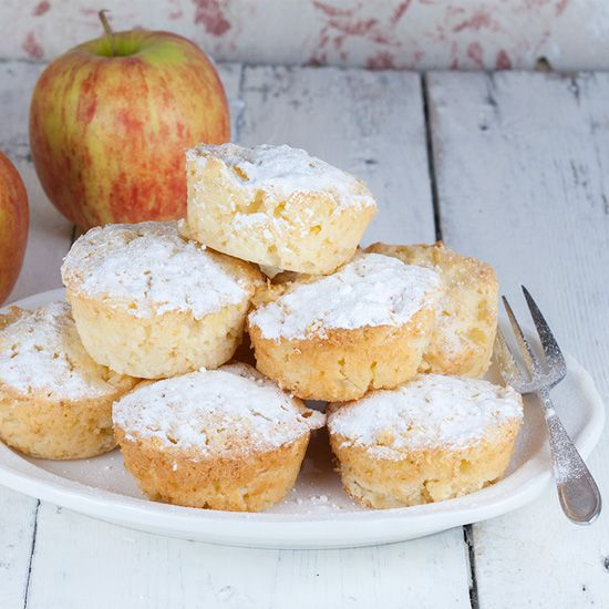 Creamy apple muffins
