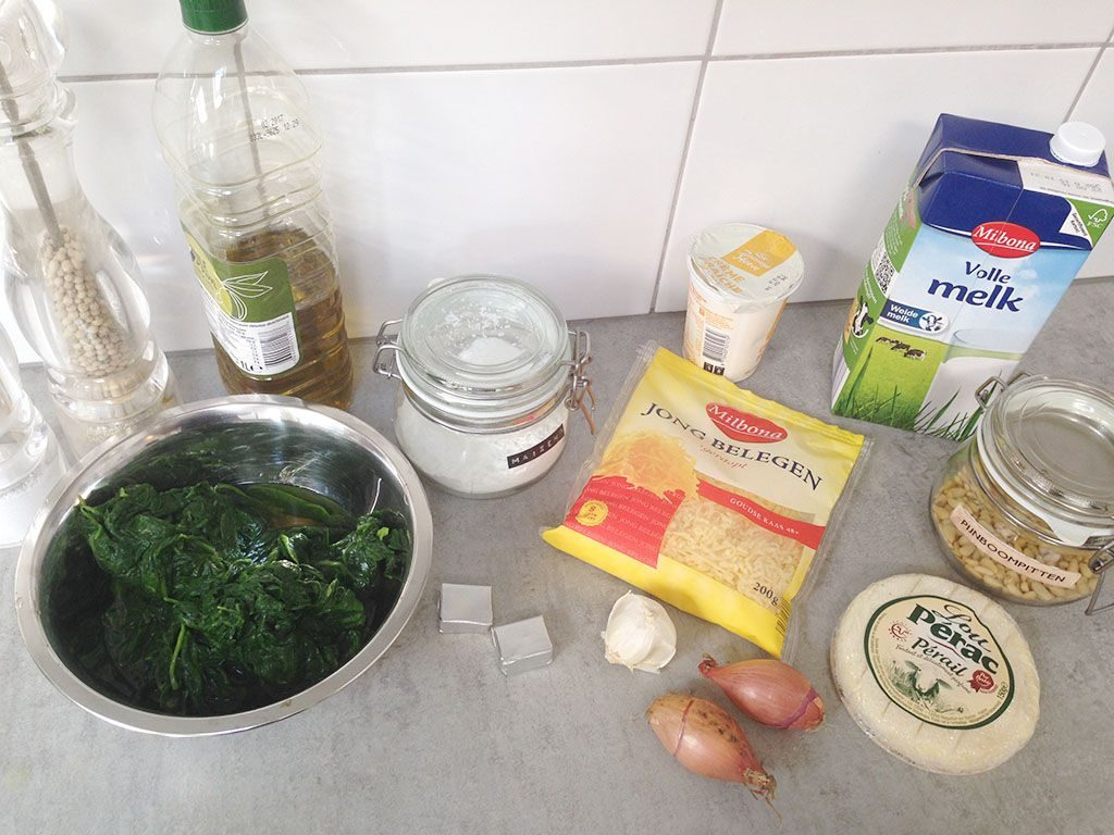 Creamy spinach soup ingredients