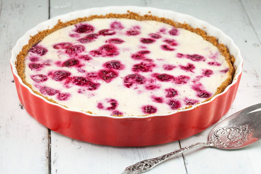 Raspberry quark pie