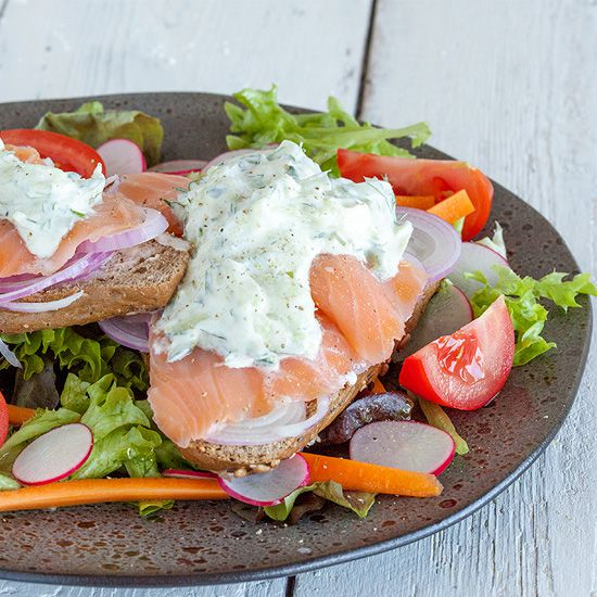 Smoked salmon and cucumber cream cheese sandwich square - Smoked salmon and cucumber cream cheese sandwich