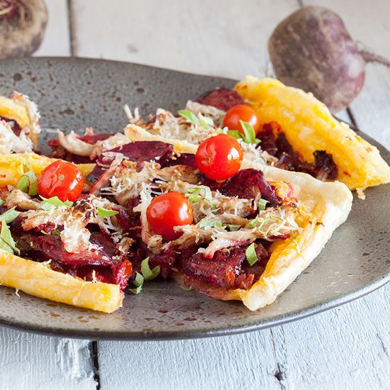 Beetroot and chicken puff pastry tart vierkant - Beetroot and chicken puff pastry tart