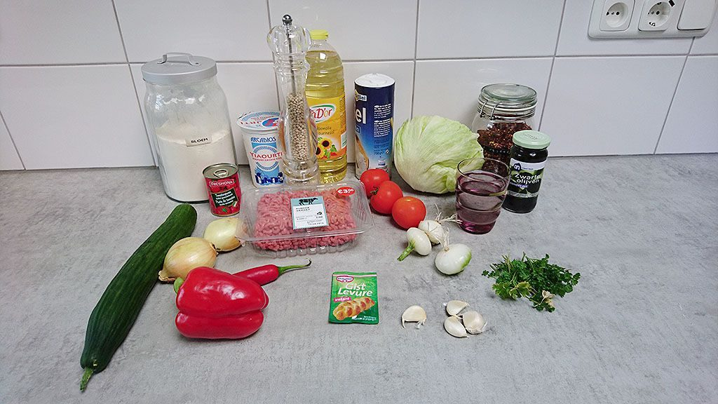 Turkish pizza a.k.a. Lahmacun ingredients