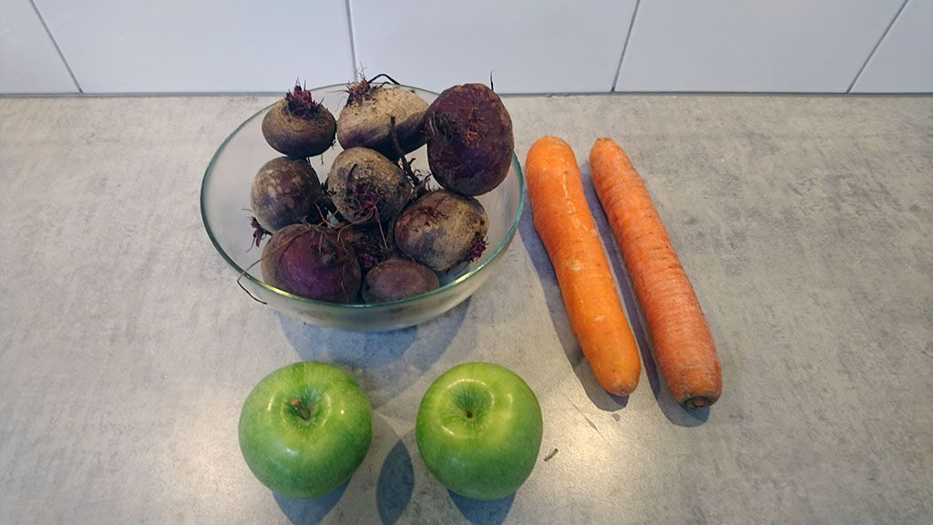 Beetroot, apple and carrot juice ingredients