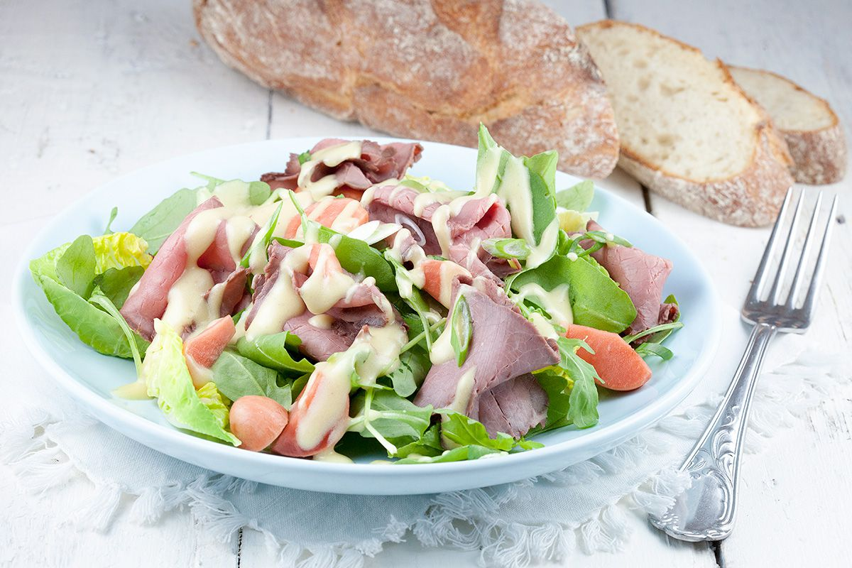 Roast beef salad with mustard dressing