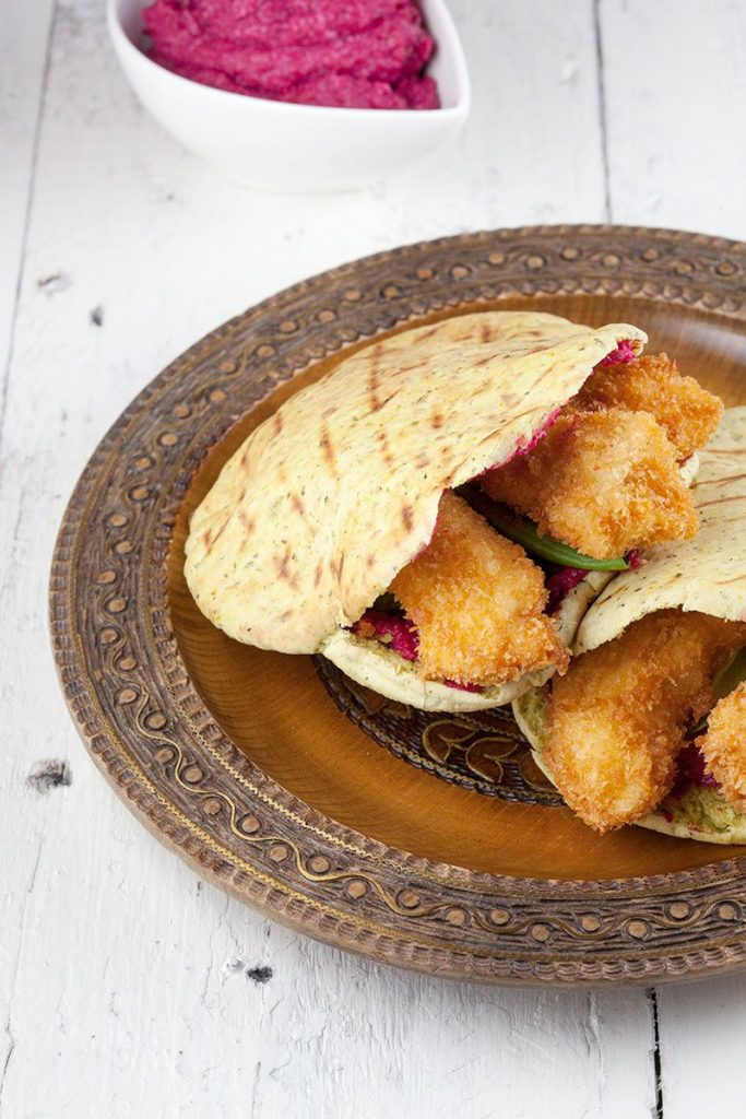 Crispy chicken and hummus pita