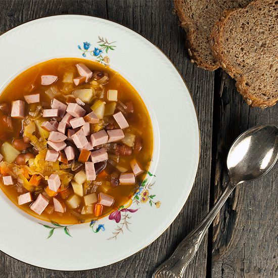 Dutch brown bean soup aka bruine bonensoep square - Dutch brown bean soup a.k.a. bruine bonensoep
