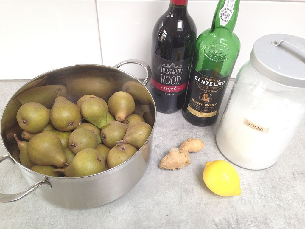 Poached pears in red wine and ginger ingredients