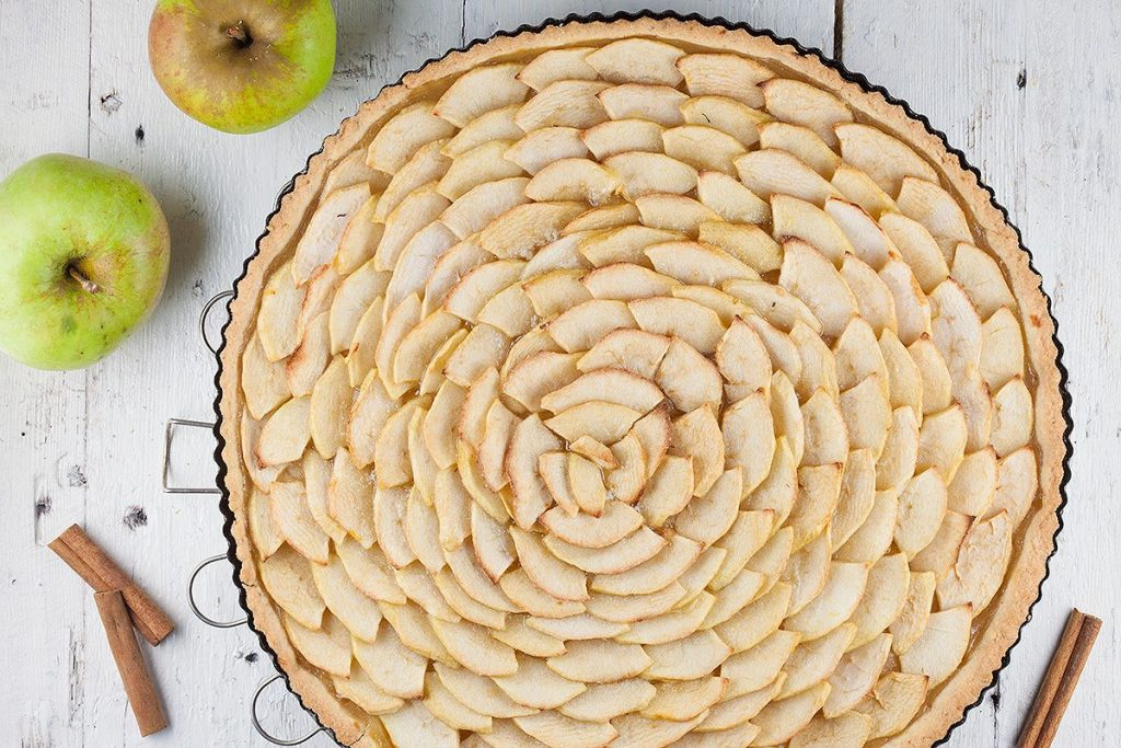 Thin crusted apple pie
