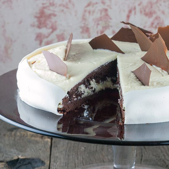 Chocolate pie with marzipan mousse square - Chocolate pie with marzipan mousse