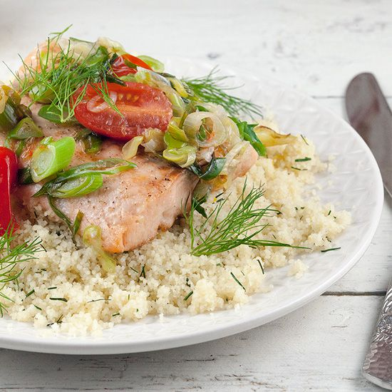 Baked salmon and warm couscous square - Baked salmon and warm couscous