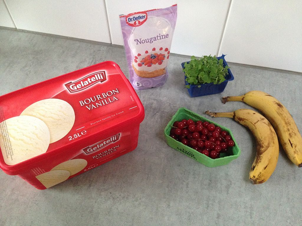 Vanilla ice cream with banana and red currants ingredients