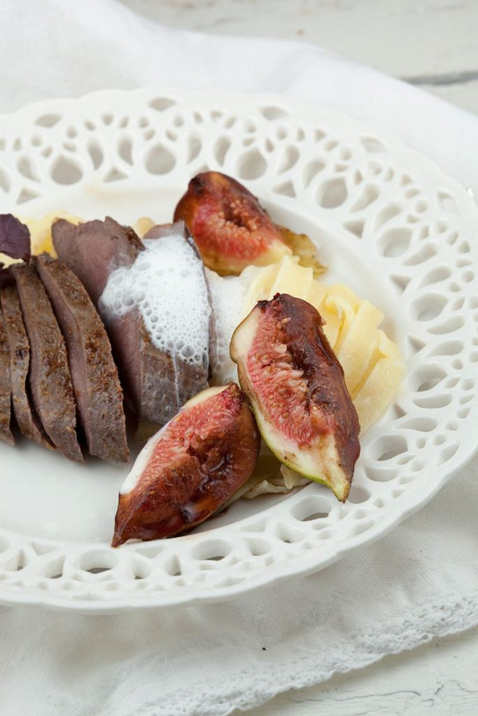 Venison with fresh figs and cinnamon foam 2 683x1024 - Venison with fresh figs and cinnamon foam
