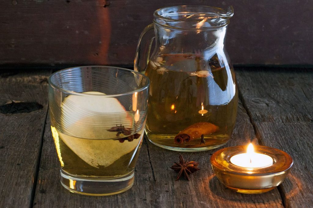 Warming winter apple aperitif