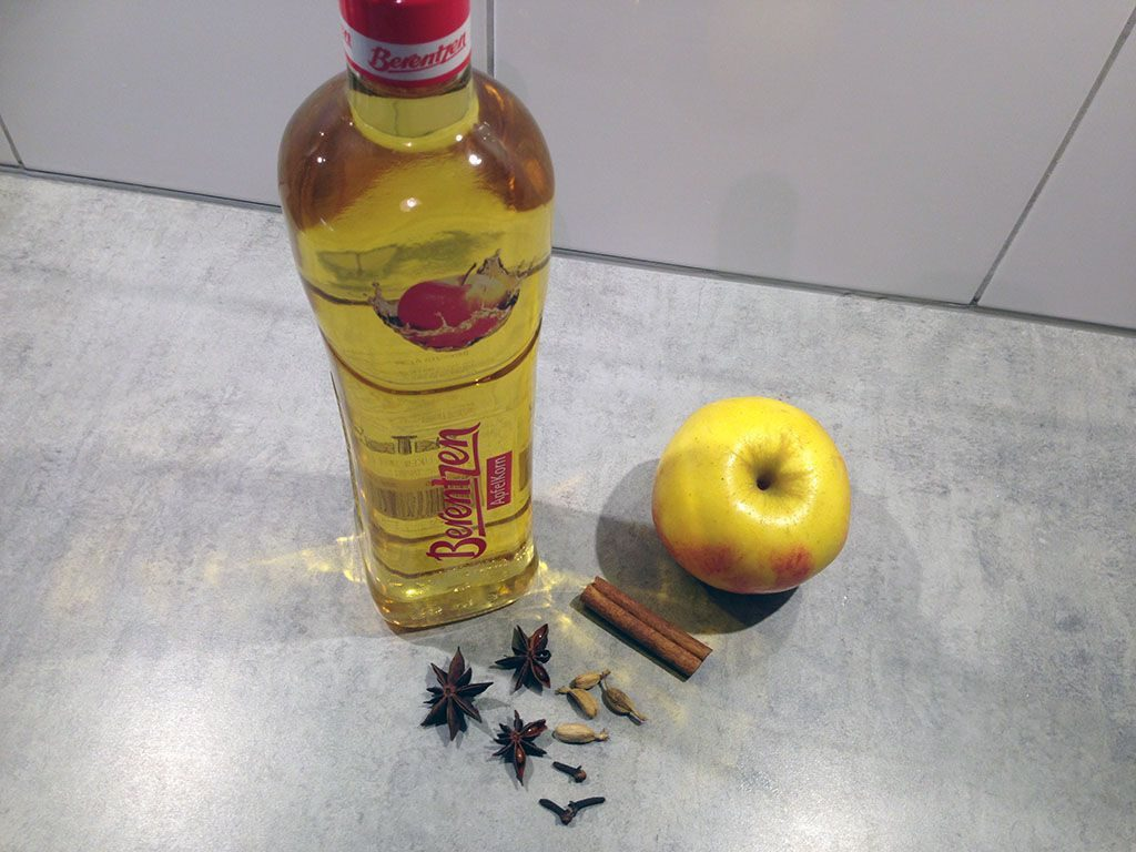 Warming winter apple aperitif ingredients