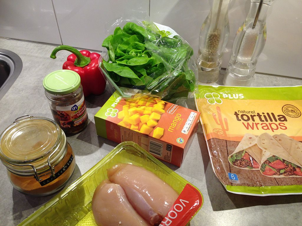 Chicken and mango tortilla wraps ingredients