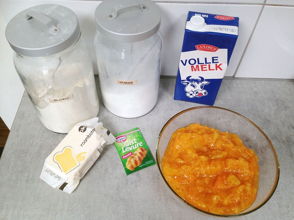 Dutch apricot pie - abrikozenvlaai ingredients