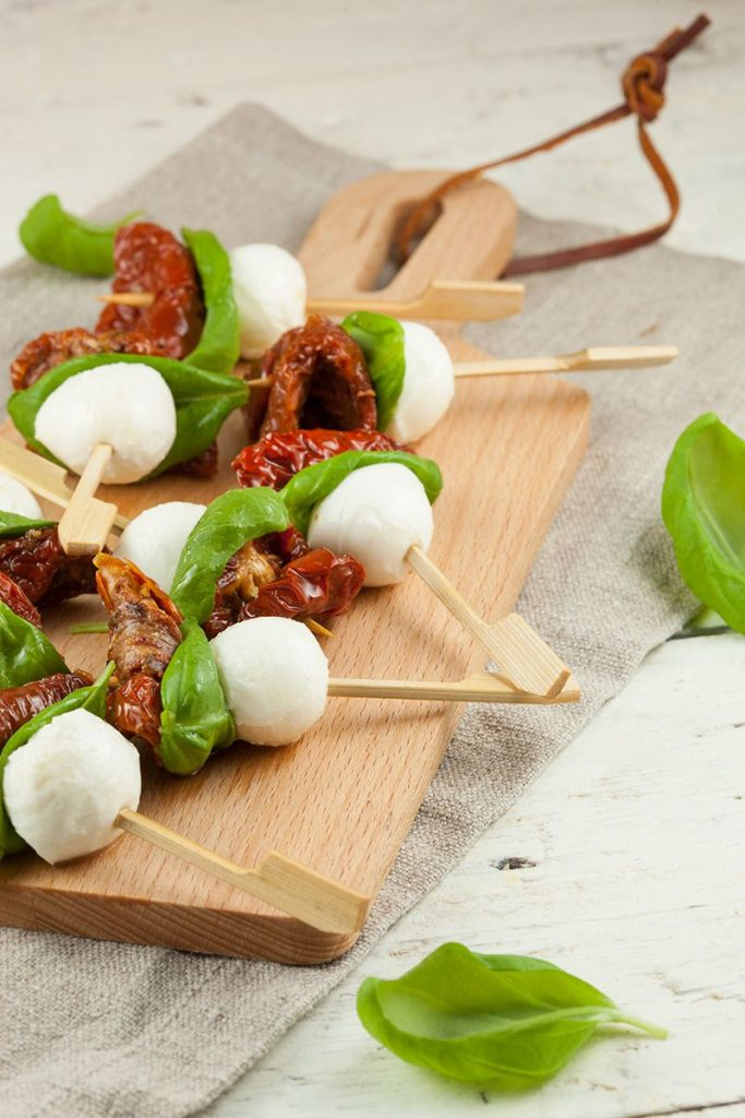 Mini mozzarella tapas bites