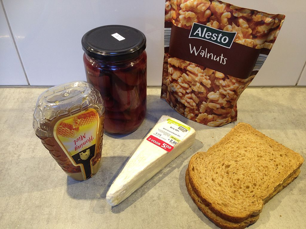 Poached pear sandwich ingredients