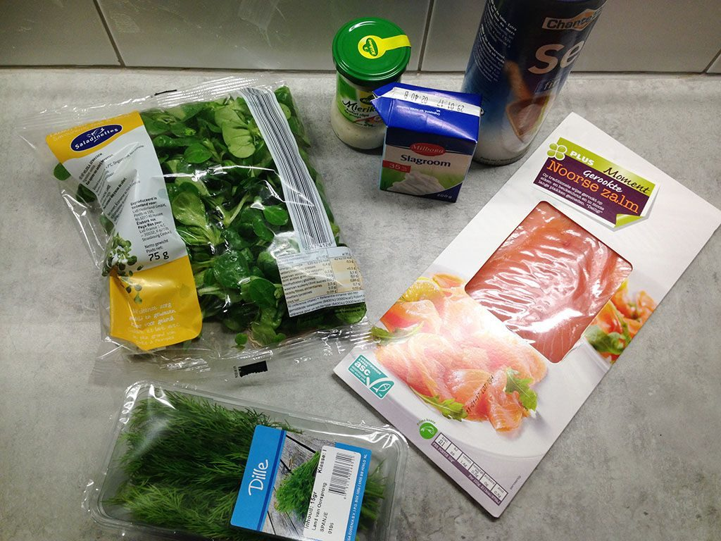 Smoked salmon rolls ingredients