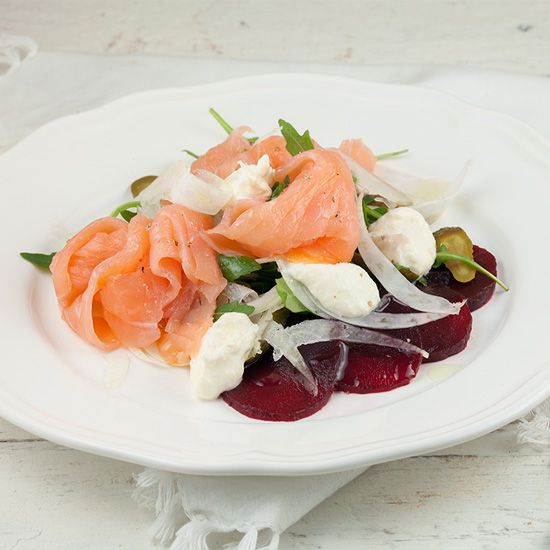 Smoked salmon salad with horseradish crème fraîche