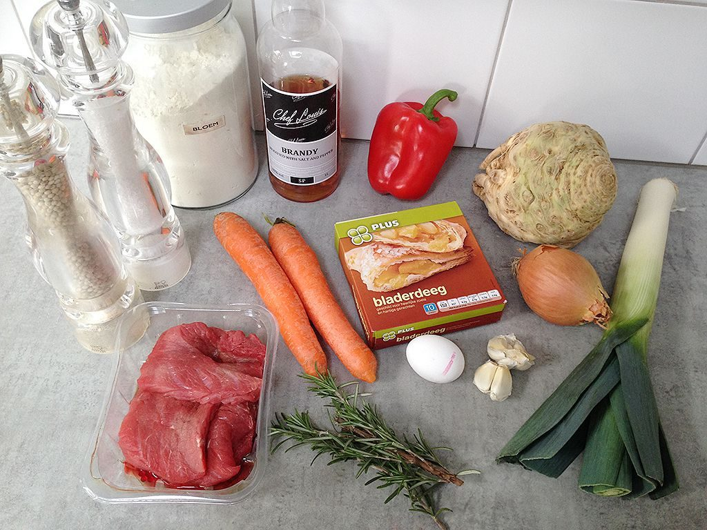 Beef stew with puff pastry ingredients