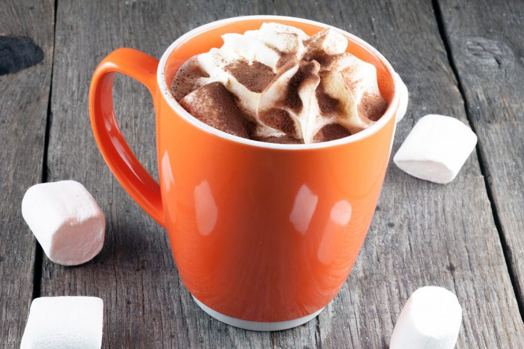 Hot chocolate with rum and marshmallows