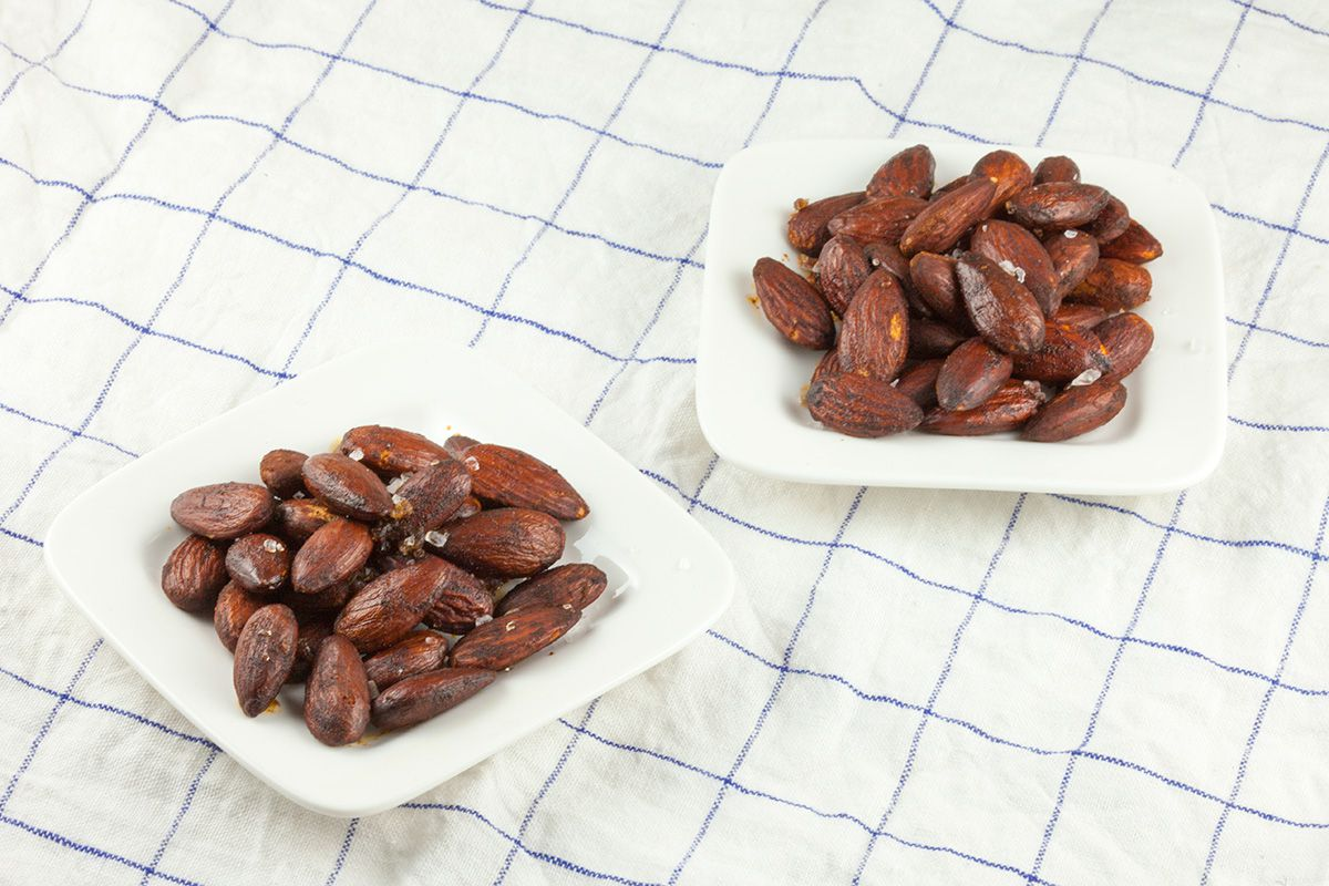Roasted almonds with smoked paprika