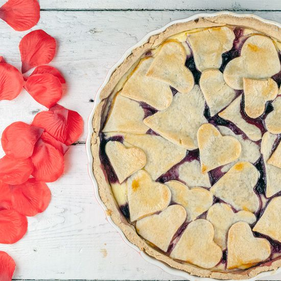 Valentines day red fruit pie square - Valentine's day red fruit pie