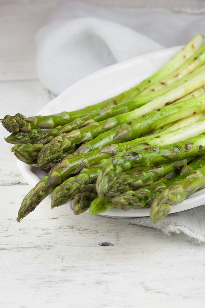 Grilled green asparagus