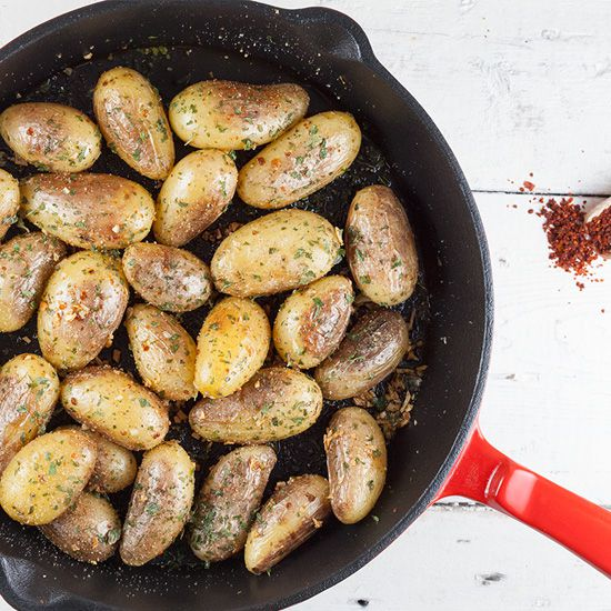 Pan-roasted garlic potatoes