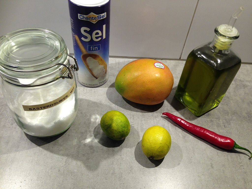 Spicy mango salad ingredients