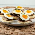 Blinis with chestnut mushrooms and quail eggs 120x120 - Ham and quail egg bruschetta