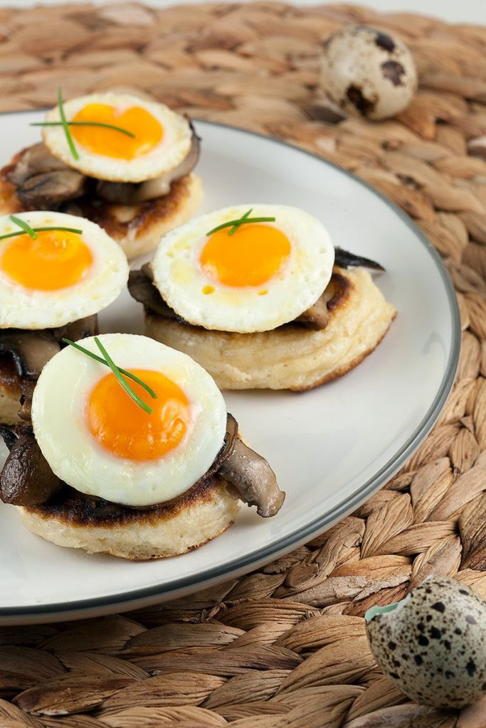 Blinis with chestnut mushrooms and quail eggs ingredients 2 683x1024 - Blini's with chestnut mushrooms and quail eggs
