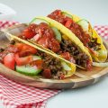 Hard shell tacos with minced meat