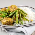 Spiced meatballs with green beans and rice 120x120 - Oriental green beans